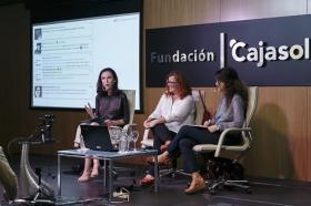 """Fundación Cajasol en un tuit: Redes Sociales y Divulgación Científica (6) • <a style=""""font-size:0.8em;"""" href=""""http://www.flickr.com/photos/129072575@N05/23779144558/"""" target=""""_blank"""">View on Flickr</a>"""