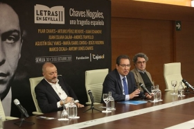 "Rueda de prensa 'Letras en Sevilla': Chaves Nogales, una tragedia española (5) • <a style=""font-size:0.8em;"" href=""http://www.flickr.com/photos/129072575@N05/38032179862/"" target=""_blank"">View on Flickr</a>"