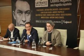 "Rueda de prensa 'Letras en Sevilla': Chaves Nogales, una tragedia española (3) • <a style=""font-size:0.8em;"" href=""http://www.flickr.com/photos/129072575@N05/38032179782/"" target=""_blank"">View on Flickr</a>"