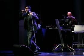 """Concierto de David Bustamante en la Fundación Cajasol (13) • <a style=""""font-size:0.8em;"""" href=""""http://www.flickr.com/photos/129072575@N05/38239061194/"""" target=""""_blank"""">View on Flickr</a>"""
