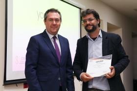 """Entrega de los I Premios TalentoLAB Sevilla en la Fundación Cajasol (10) • <a style=""""font-size:0.8em;"""" href=""""http://www.flickr.com/photos/129072575@N05/38165227095/"""" target=""""_blank"""">View on Flickr</a>"""
