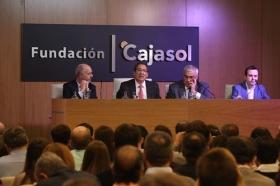 "Conferencia de Juan Ramón Rallo en la Fundación Cajasol (18) • <a style=""font-size:0.8em;"" href=""http://www.flickr.com/photos/129072575@N05/38226139206/"" target=""_blank"">View on Flickr</a>"