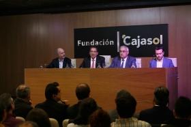 "Conferencia de Juan Ramón Rallo en la Fundación Cajasol (17) • <a style=""font-size:0.8em;"" href=""http://www.flickr.com/photos/129072575@N05/24409937988/"" target=""_blank"">View on Flickr</a>"