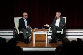 """Conferencia de Eduardo Mendoza en la Fundación Cajasol (13) • <a style=""""font-size:0.8em;"""" href=""""http://www.flickr.com/photos/129072575@N05/24541275588/"""" target=""""_blank"""">View on Flickr</a>"""