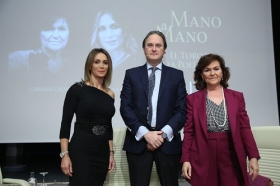 "Mano a Mano: Cristina Sánchez y Carmen Calvo (11) • <a style=""font-size:0.8em;"" href=""http://www.flickr.com/photos/129072575@N05/37679299935/"" target=""_blank"">View on Flickr</a>"