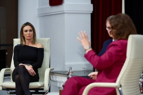 """Mano a Mano: Cristina Sánchez y Carmen Calvo (4) • <a style=""""font-size:0.8em;"""" href=""""http://www.flickr.com/photos/129072575@N05/38535751252/"""" target=""""_blank"""">View on Flickr</a>"""