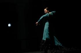 "Jueves Flamencos: Asunción Pérez 'Choni' & David Pérez en 'De2' (32) • <a style=""font-size:0.8em;"" href=""http://www.flickr.com/photos/129072575@N05/39067479121/"" target=""_blank"">View on Flickr</a>"