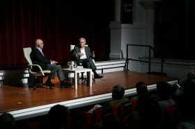 """Conferencia de Eduardo Mendoza en la Fundación Cajasol (10) • <a style=""""font-size:0.8em;"""" href=""""http://www.flickr.com/photos/129072575@N05/24541273678/"""" target=""""_blank"""">View on Flickr</a>"""