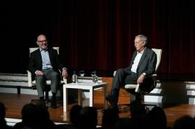 """Conferencia de Eduardo Mendoza en la Fundación Cajasol (14) • <a style=""""font-size:0.8em;"""" href=""""http://www.flickr.com/photos/129072575@N05/38357084716/"""" target=""""_blank"""">View on Flickr</a>"""