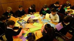 """Talleres educativos en la I Semana de las Letras de Cádiz en la Fundación Cajasol (15) • <a style=""""font-size:0.8em;"""" href=""""http://www.flickr.com/photos/129072575@N05/38429013202/"""" target=""""_blank"""">View on Flickr</a>"""