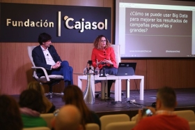 "Fundación Cajasol en un tuit: 'Social Media, Big Data y Growth Hacking' (7) • <a style=""font-size:0.8em;"" href=""http://www.flickr.com/photos/129072575@N05/38535749572/"" target=""_blank"">View on Flickr</a>"