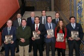 """Presentación del libro 'Un siglo ilusionando' en la Fundación Cajasol • <a style=""""font-size:0.8em;"""" href=""""http://www.flickr.com/photos/129072575@N05/24976029028/"""" target=""""_blank"""">View on Flickr</a>"""