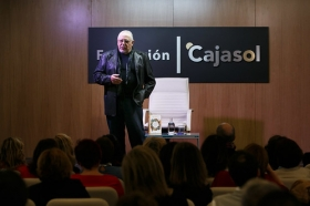 """Presentación del libro 'Cuentos clásicos para conocerse mejor', de Jorge Bucay (6) • <a style=""""font-size:0.8em;"""" href=""""http://www.flickr.com/photos/129072575@N05/26530090089/"""" target=""""_blank"""">View on Flickr</a>"""