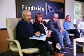 "Jornadas sobre la infancia y la adolescencia 'Ser niña o niño hoy en Andalucía' (4) • <a style=""font-size:0.8em;"" href=""http://www.flickr.com/photos/129072575@N05/37878929074/"" target=""_blank"">View on Flickr</a>"