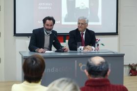 """Conferencia de Antonio Basanta 'Las claves ocultas del Belén' en la Fundación Cajasol (13) • <a style=""""font-size:0.8em;"""" href=""""http://www.flickr.com/photos/129072575@N05/38185624965/"""" target=""""_blank"""">View on Flickr</a>"""