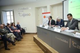 """Seminario 'La seguridad en la cuenca mediterránea: desafíos compartidos' en la Fundación Cajasol (5) • <a style=""""font-size:0.8em;"""" href=""""http://www.flickr.com/photos/129072575@N05/24393143098/"""" target=""""_blank"""">View on Flickr</a>"""