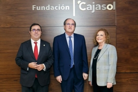 "Conferencia de Ángel Gabilondo en la Fundación Cajasol • <a style=""font-size:0.8em;"" href=""http://www.flickr.com/photos/129072575@N05/24972586518/"" target=""_blank"">View on Flickr</a>"