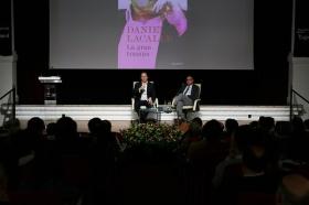 """Presentación del libro 'La gran trampa', de Daniel Lacalle, en la Fundación Cajasol • <a style=""""font-size:0.8em;"""" href=""""http://www.flickr.com/photos/129072575@N05/39046834991/"""" target=""""_blank"""">View on Flickr</a>"""