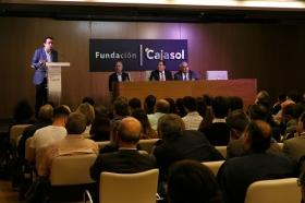 "Conferencia de Juan Ramón Rallo en la Fundación Cajasol (4) • <a style=""font-size:0.8em;"" href=""http://www.flickr.com/photos/129072575@N05/26504990649/"" target=""_blank"">View on Flickr</a>"