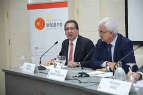 """Seminario 'La seguridad en la cuenca mediterránea: desafíos compartidos' en la Fundación Cajasol (6) • <a style=""""font-size:0.8em;"""" href=""""http://www.flickr.com/photos/129072575@N05/24393143278/"""" target=""""_blank"""">View on Flickr</a>"""