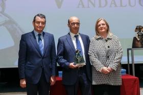 """Entrega de los V Premios Menina en la Fundación Cajasol (20) • <a style=""""font-size:0.8em;"""" href=""""http://www.flickr.com/photos/129072575@N05/37865451654/"""" target=""""_blank"""">View on Flickr</a>"""