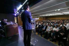 "Conferencia de Juan Ramón Rallo en la Fundación Cajasol (5) • <a style=""font-size:0.8em;"" href=""http://www.flickr.com/photos/129072575@N05/38226137706/"" target=""_blank"">View on Flickr</a>"