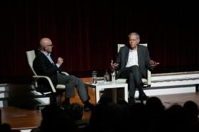 """Conferencia de Eduardo Mendoza en la Fundación Cajasol (12) • <a style=""""font-size:0.8em;"""" href=""""http://www.flickr.com/photos/129072575@N05/38357084666/"""" target=""""_blank"""">View on Flickr</a>"""