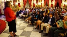 """Conferencia de Sarah Harmon en 'De Cádiz al Mundo' (4) • <a style=""""font-size:0.8em;"""" href=""""http://www.flickr.com/photos/129072575@N05/38081566946/"""" target=""""_blank"""">View on Flickr</a>"""