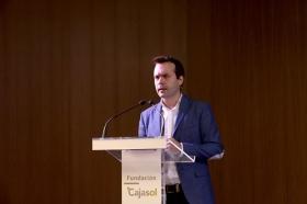 "Conferencia de Juan Ramón Rallo en la Fundación Cajasol (11) • <a style=""font-size:0.8em;"" href=""http://www.flickr.com/photos/129072575@N05/38281078341/"" target=""_blank"">View on Flickr</a>"