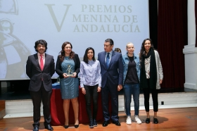 """Entrega de los V Premios Menina en la Fundación Cajasol (22) • <a style=""""font-size:0.8em;"""" href=""""http://www.flickr.com/photos/129072575@N05/38550019032/"""" target=""""_blank"""">View on Flickr</a>"""