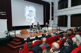 """Presentación del libro 'Surnormal profundo' en la Fundación Cajasol (11) • <a style=""""font-size:0.8em;"""" href=""""http://www.flickr.com/photos/129072575@N05/26835769869/"""" target=""""_blank"""">View on Flickr</a>"""