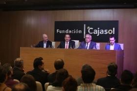 "Conferencia de Juan Ramón Rallo en la Fundación Cajasol (13) • <a style=""font-size:0.8em;"" href=""http://www.flickr.com/photos/129072575@N05/38226138756/"" target=""_blank"">View on Flickr</a>"