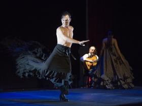 "Jueves Flamencos: Asunción Pérez 'Choni' & David Pérez en 'De2' (19) • <a style=""font-size:0.8em;"" href=""http://www.flickr.com/photos/129072575@N05/24206425557/"" target=""_blank"">View on Flickr</a>"