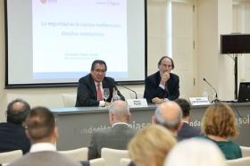 """Seminario 'La seguridad en la cuenca mediterránea: desafíos compartidos' en la Fundación Cajasol (16) • <a style=""""font-size:0.8em;"""" href=""""http://www.flickr.com/photos/129072575@N05/24393143518/"""" target=""""_blank"""">View on Flickr</a>"""