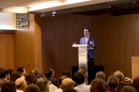 "Conferencia de Juan Ramón Rallo en la Fundación Cajasol (12) • <a style=""font-size:0.8em;"" href=""http://www.flickr.com/photos/129072575@N05/38226138676/"" target=""_blank"">View on Flickr</a>"