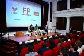 "Encuentro 'Descubre FP' en la Fundación Cajasol (2) • <a style=""font-size:0.8em;"" href=""http://www.flickr.com/photos/129072575@N05/37879266044/"" target=""_blank"">View on Flickr</a>"