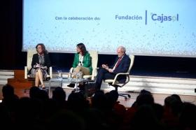 "Encuentro 'Descubre FP' en la Fundación Cajasol (4) • <a style=""font-size:0.8em;"" href=""http://www.flickr.com/photos/129072575@N05/37708400725/"" target=""_blank"">View on Flickr</a>"