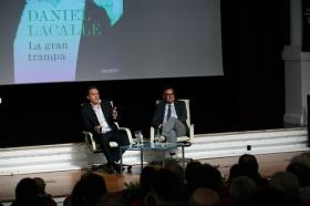 """Presentación del libro 'La gran trampa', de Daniel Lacalle, en la Fundación Cajasol (6) • <a style=""""font-size:0.8em;"""" href=""""http://www.flickr.com/photos/129072575@N05/38165217075/"""" target=""""_blank"""">View on Flickr</a>"""