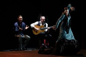 "Jueves Flamencos: Asunción Pérez 'Choni' & David Pérez en 'De2' (35) • <a style=""font-size:0.8em;"" href=""http://www.flickr.com/photos/129072575@N05/39067480171/"" target=""_blank"">View on Flickr</a>"