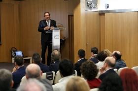 """Clausura IV Programa '100 Caminos al Éxito' en la Fundación Cajasol (13) • <a style=""""font-size:0.8em;"""" href=""""http://www.flickr.com/photos/129072575@N05/27348754359/"""" target=""""_blank"""">View on Flickr</a>"""