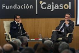 """Ignacio Camacho presenta 'Cataluña, la herida de España', en la Fundación Cajasol (10) • <a style=""""font-size:0.8em;"""" href=""""http://www.flickr.com/photos/129072575@N05/38357024074/"""" target=""""_blank"""">View on Flickr</a>"""