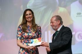 """Entrega de los I Premios DEX en la Fundación Cajasol (14) • <a style=""""font-size:0.8em;"""" href=""""http://www.flickr.com/photos/129072575@N05/38165222625/"""" target=""""_blank"""">View on Flickr</a>"""