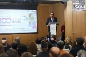 """Clausura IV Programa '100 Caminos al Éxito' en la Fundación Cajasol (15) • <a style=""""font-size:0.8em;"""" href=""""http://www.flickr.com/photos/129072575@N05/27348754589/"""" target=""""_blank"""">View on Flickr</a>"""