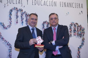"Entrega de premios 2017 revista 'Actualidad Económica' (5) • <a style=""font-size:0.8em;"" href=""http://www.flickr.com/photos/129072575@N05/24270588217/"" target=""_blank"">View on Flickr</a>"