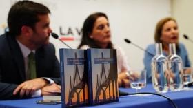 """Presentación del libro 'Cómo hemos cambiado', de Yolanda Vallejo (10) • <a style=""""font-size:0.8em;"""" href=""""http://www.flickr.com/photos/129072575@N05/39154231611/"""" target=""""_blank"""">View on Flickr</a>"""