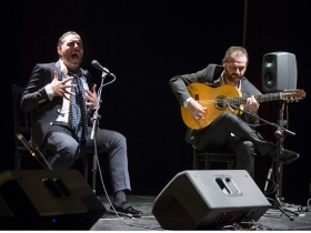 "Jueves Flamencos 2018: Pedro 'El Granaíno' y Antonio Reyes (7) • <a style=""font-size:0.8em;"" href=""http://www.flickr.com/photos/129072575@N05/38484807250/"" target=""_blank"">View on Flickr</a>"