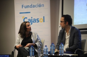 "Jornada sobre los Patios de Córdoba en la Fundación Cajasol (8) • <a style=""font-size:0.8em;"" href=""http://www.flickr.com/photos/129072575@N05/28098350389/"" target=""_blank"">View on Flickr</a>"