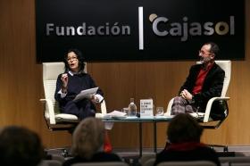 """Presentación del libro 'El hombre que no deberíamos ser' en Sevilla (8) • <a style=""""font-size:0.8em;"""" href=""""http://www.flickr.com/photos/129072575@N05/25259917417/"""" target=""""_blank"""">View on Flickr</a>"""