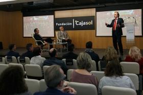 """Clausura IV Programa '100 Caminos al Éxito' en la Fundación Cajasol (8) • <a style=""""font-size:0.8em;"""" href=""""http://www.flickr.com/photos/129072575@N05/27348746539/"""" target=""""_blank"""">View on Flickr</a>"""