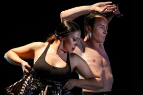 "Jueves Flamencos: Asunción Pérez 'Choni' & David Pérez en 'De2' (21) • <a style=""font-size:0.8em;"" href=""http://www.flickr.com/photos/129072575@N05/39067477261/"" target=""_blank"">View on Flickr</a>"